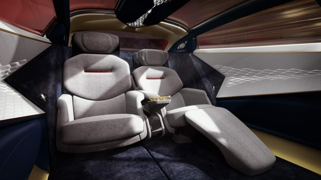 Aston Martin Lagonda Vision - Habitacle avec sièges inclinables