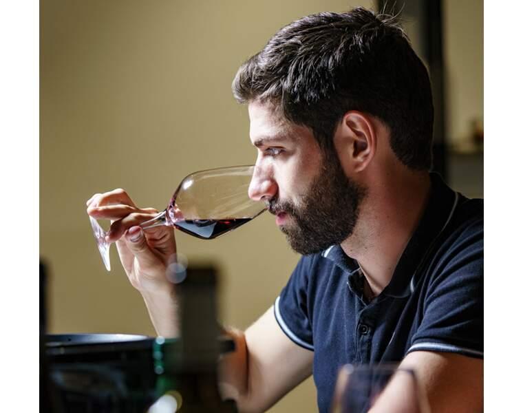 Découvrez les 10 vins rouges les mieux notés par notre jury d'experts