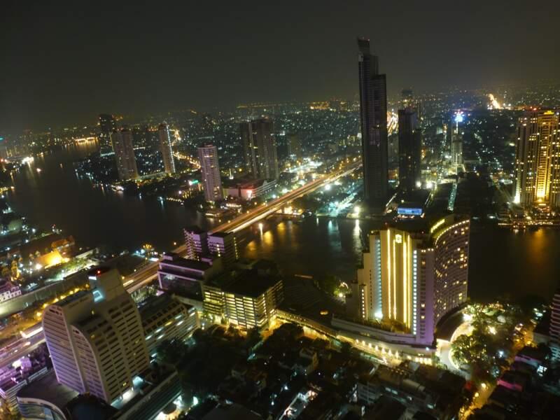 """Alibaba, """"l'Amazon chinois"""", vaut plus que le PIB thaïlandais"""