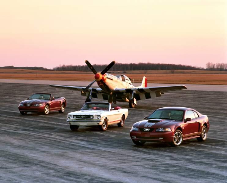 "2004 : Ford Mustang ""Anniversary edition"" et la Mustang P-51 de 1965"