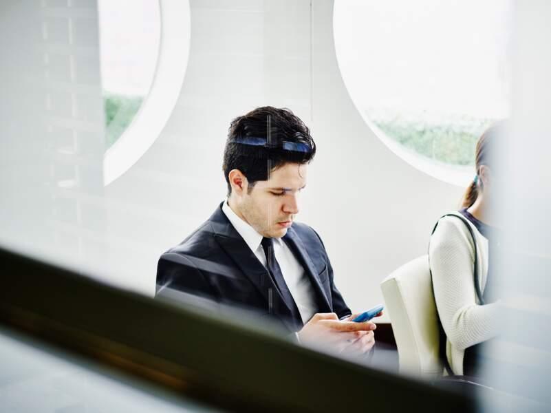 6.Consultez votre smartphone en réunion