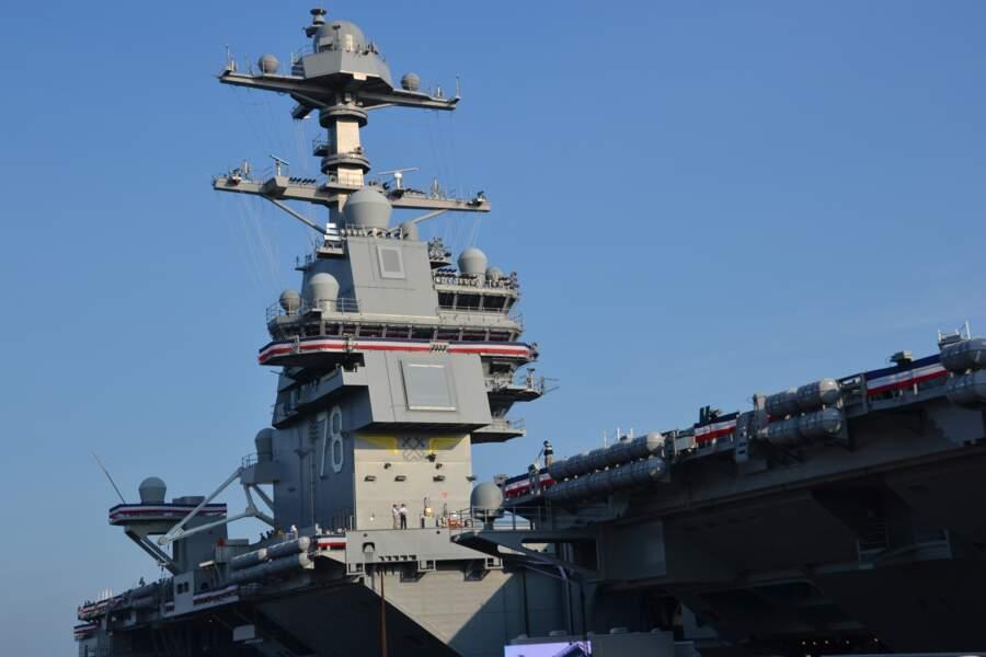 Embarquez à bord du porte-avions USS Gerald R. Ford