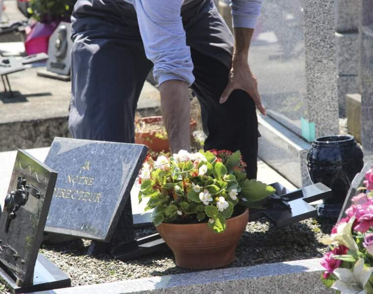 En Sa Mémoire : l'entretien des tombes à distance