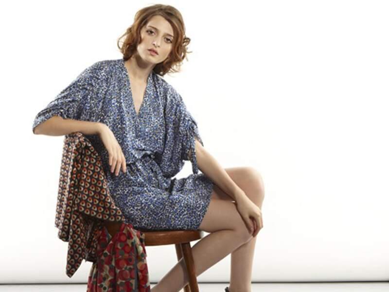 Charlotte Bialas : Des robes taillées dans des tissus précieux des années 1950
