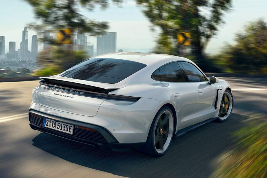 Fiche technique Porsche Taycan Turbo S
