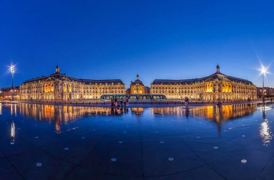 Le Port de la Lune à Bordeaux