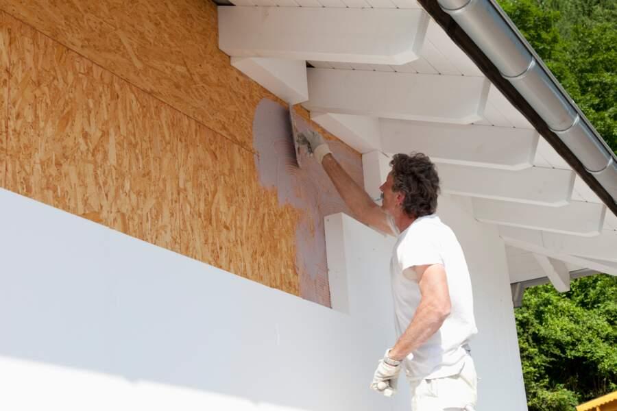 Murs d'une maison mal isolée : 20 à 25% de déperdition de chaleur