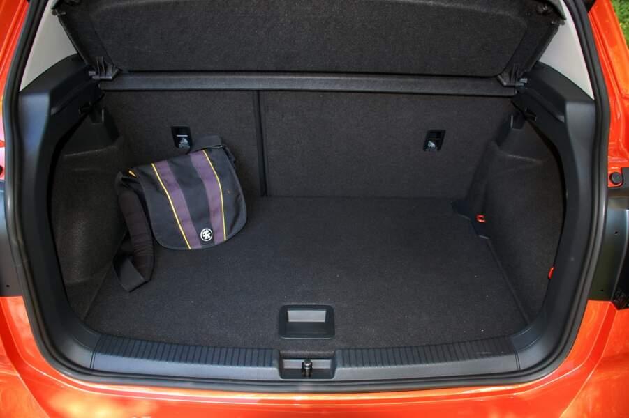 Un coffre spacieux et modulable