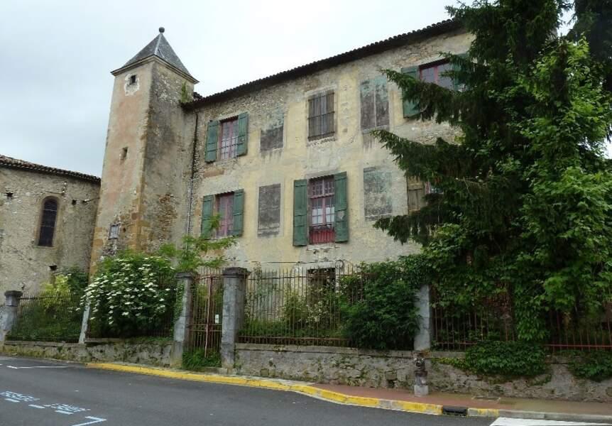 Mirepoix (Ariège), 16 pièces, 700 m² pour 425.000 euros