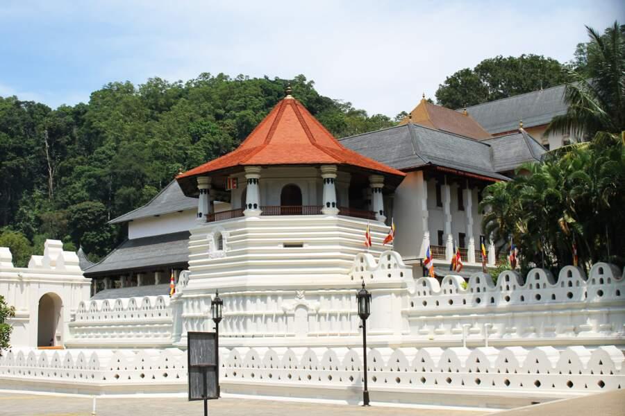 Sri Lanka : la roupie affectée par le déficit commercial et le poids de la dette