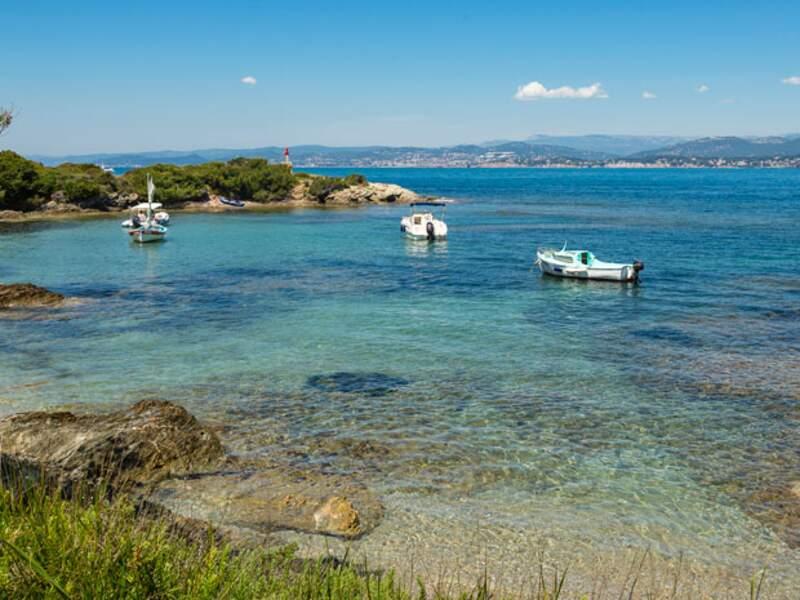 LES EMBIEZ, calme et nature à 15 minutes de Toulon