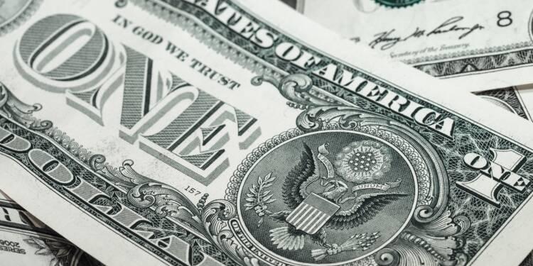 Le dollar chute, la Fed devrait agir pour soutenir la croissance et la Bourse