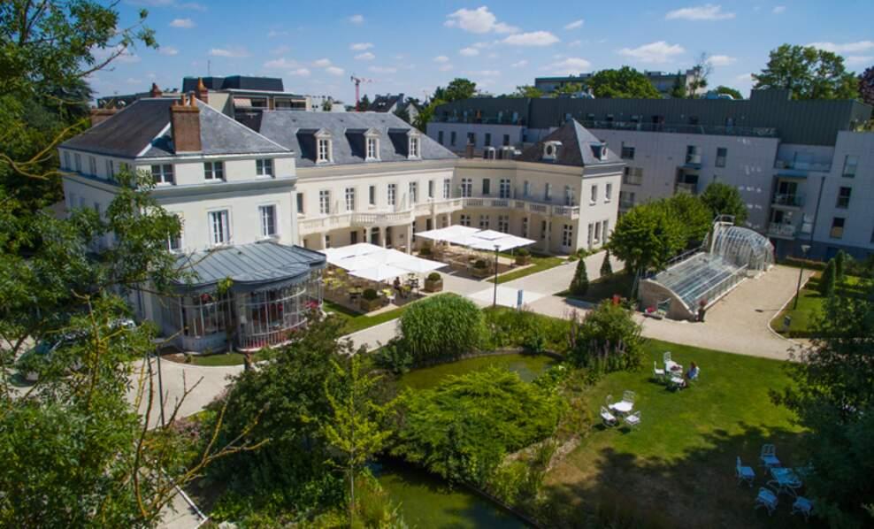 République tchèque : Château Belmont, Tours