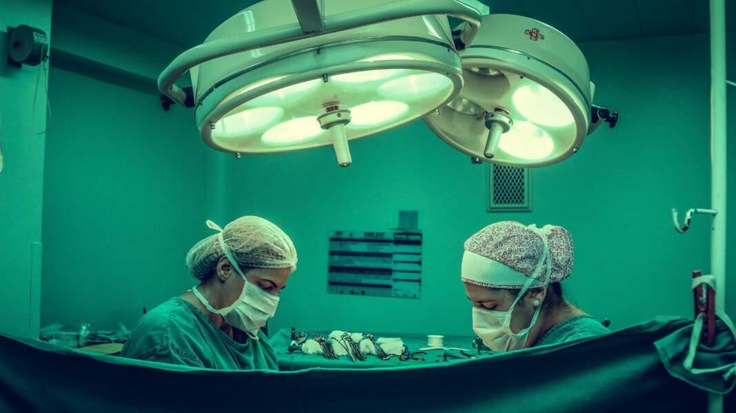 6. Chirurgien général : 12.510 euros par mois