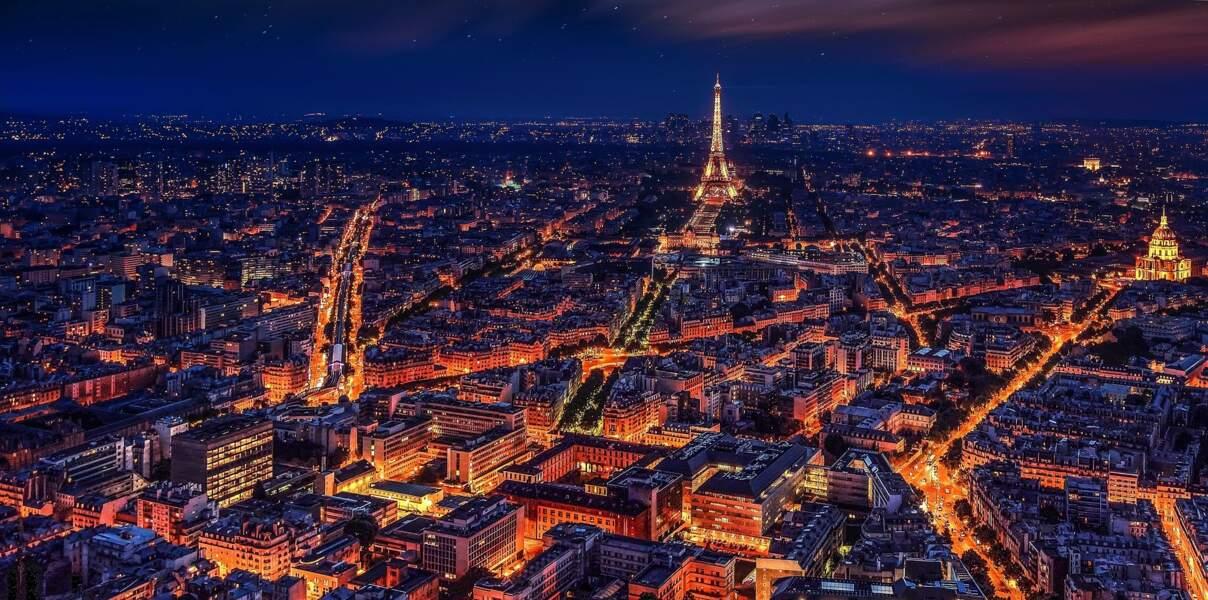 Paris étend ses lignes de bus et ses pistes cyclables