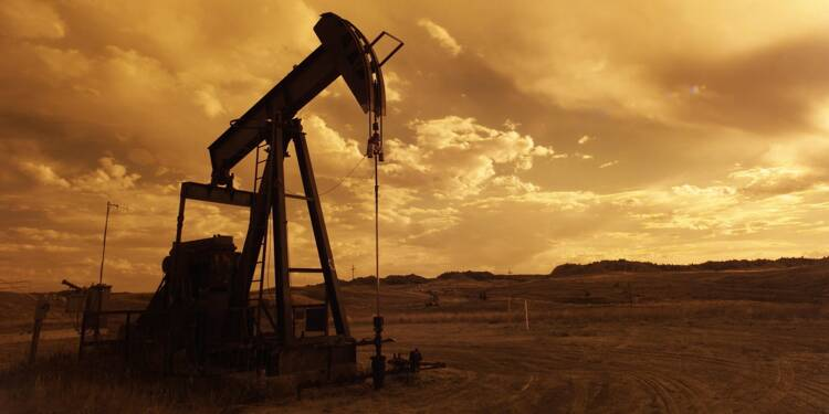 Le pétrole bondit, Boris Johnson et Donald Trump en soutien