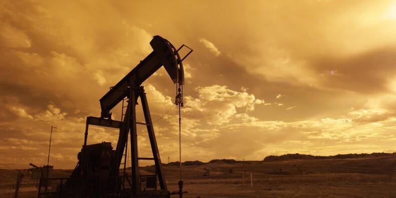Le pétrole rechute lourdement, craintes sur la guerre commerciale
