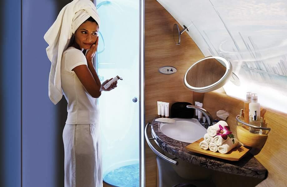 Emirates, une douche à 10 000 pieds d'altitude