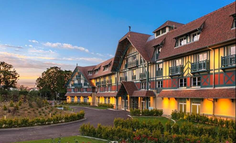 Russie : Hôtel Renaissance Hippodrome Saint-Cloud
