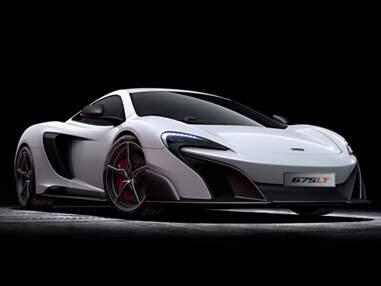 Supercars et autos de luxe font le show au Salon de Genève