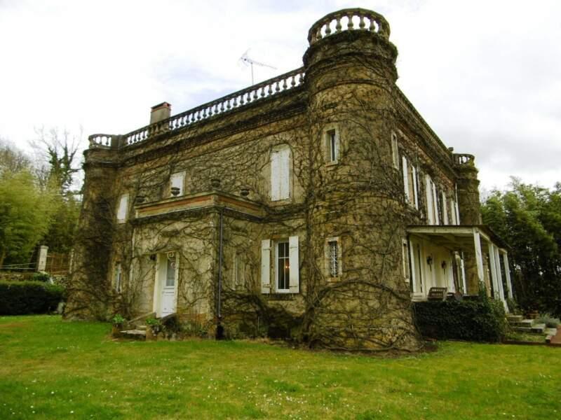 Béceleuf (Deux-Sèvres), 4 pièces, 250 m² pour 399.950 euros