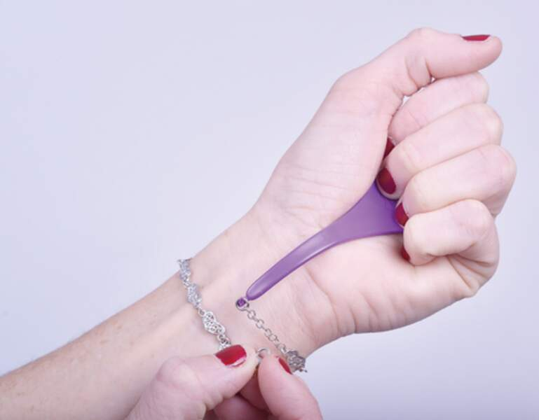 Accroche bracelet en inox, par Cindy Pineau