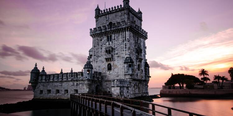 Covid-19 : le Portugal veut imposer le téléchargement d'une appli de traçage, indignation