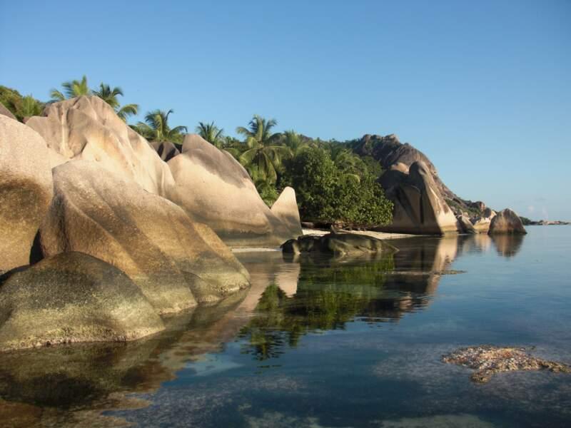 Seychelles : un archipel francophone rendu plus abordable par la dépréciation de la roupie