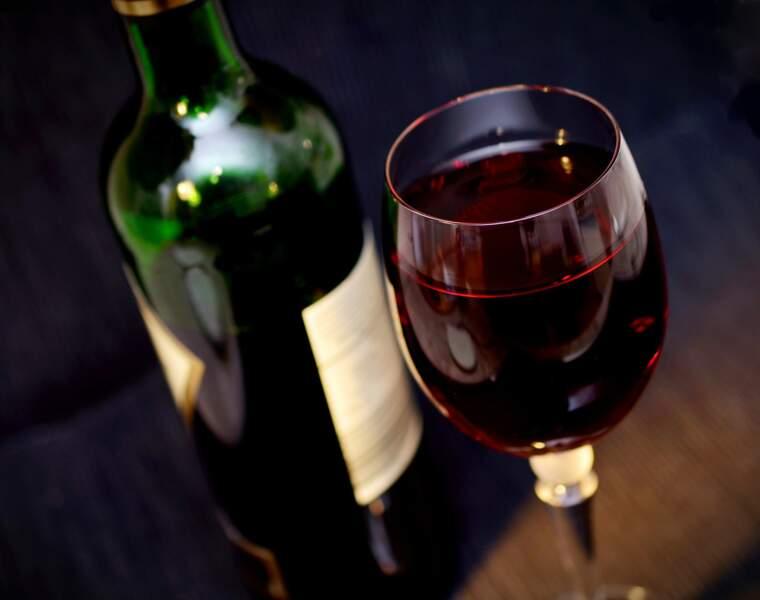 Le rouge représente encore la moitié du vin vendu dans la grande distribution