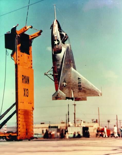Ryan X-13 Vertijet : décollage d'un crochet