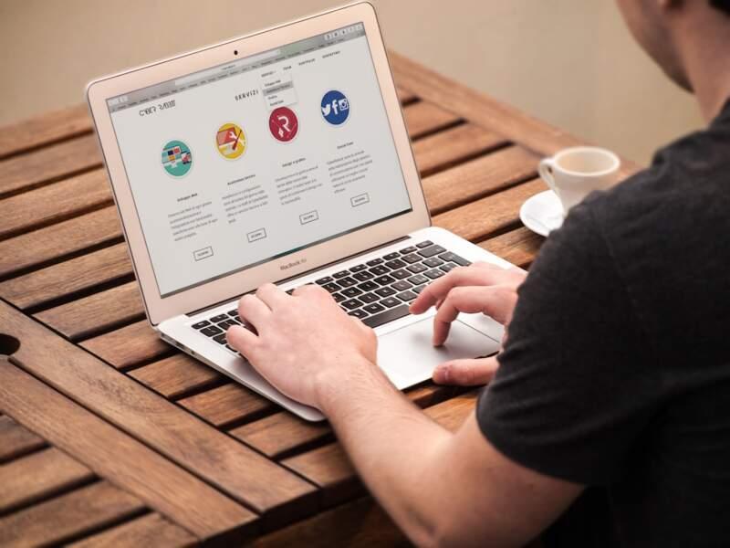 6. Chef de produit web