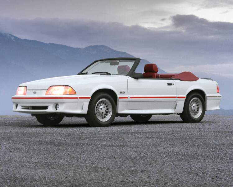 1987 : Ford Mustang GT convertible