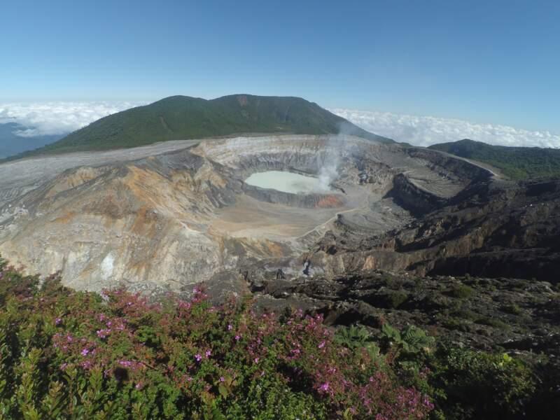 Costa Rica : le colon grevé par l'emballement de la dette publique