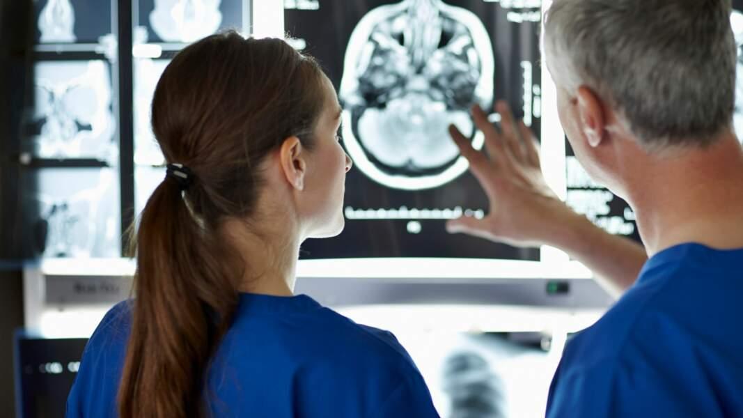 12. Radiologue : 9.133 euros par mois