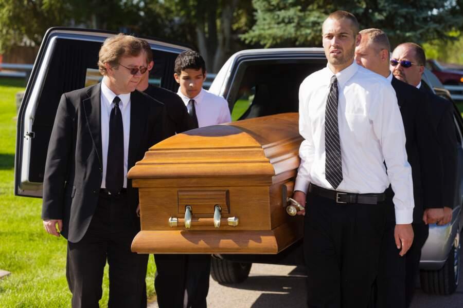 9.Agent des pompes funèbres, au-delà de l'image morbide