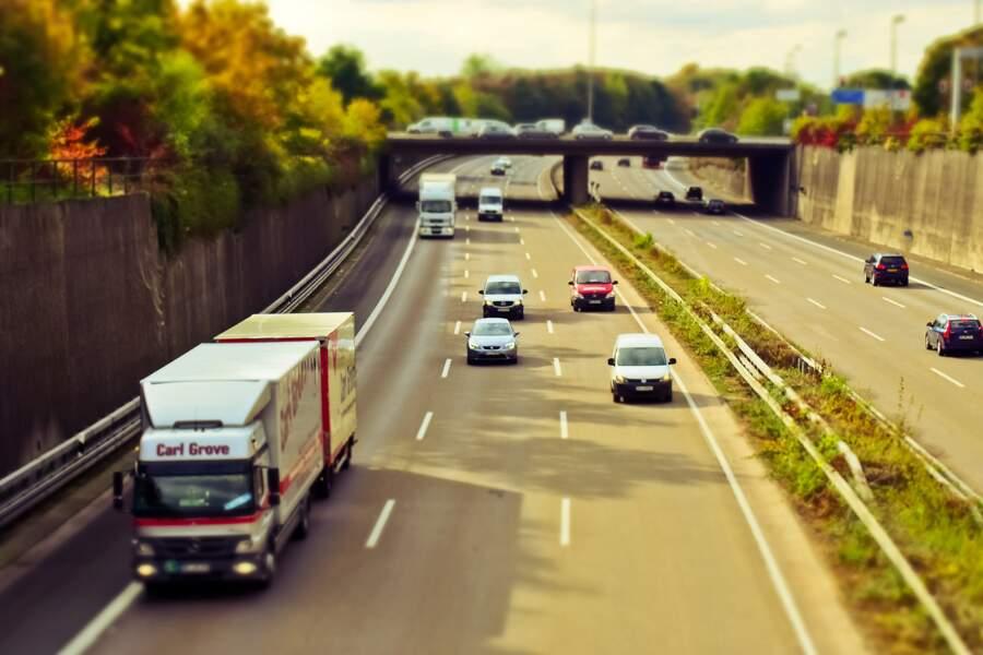 Rouler à trop faible allure sur autoroute