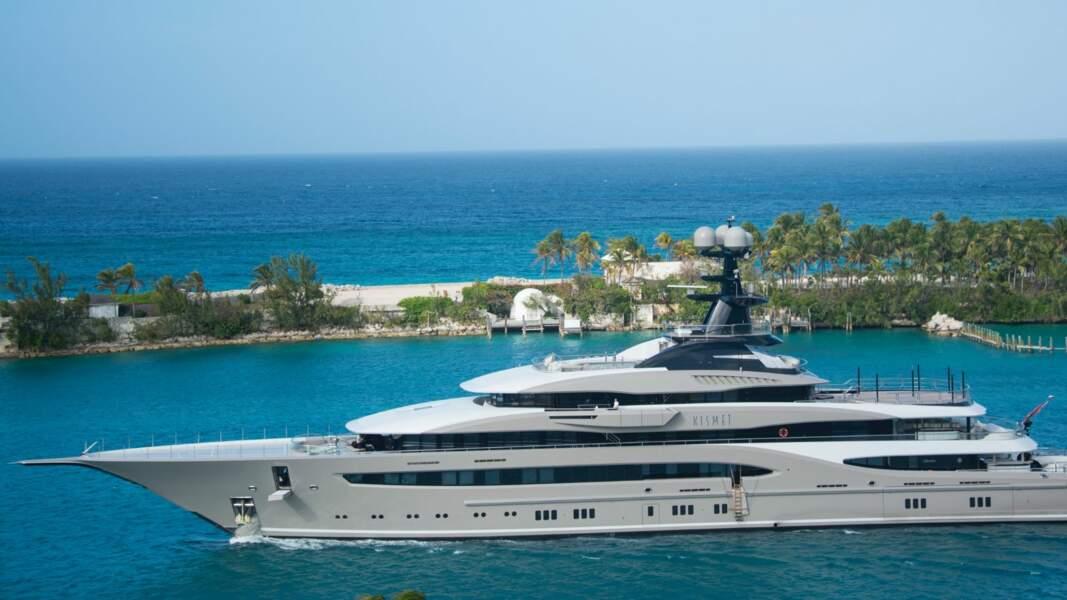 1. Testeur de yachts de luxe