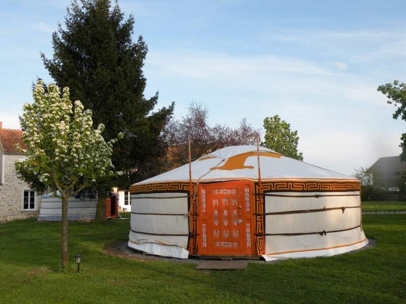 Nomade-lodge : un air de Mongolie dans la campagne française