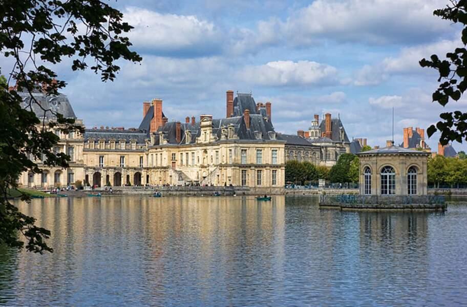 Le palais et le parc de Fontainebleau
