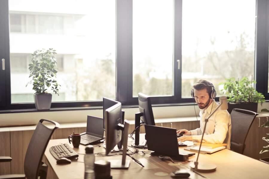Un nouveau centre d'appel à Angers crée 300 emplois