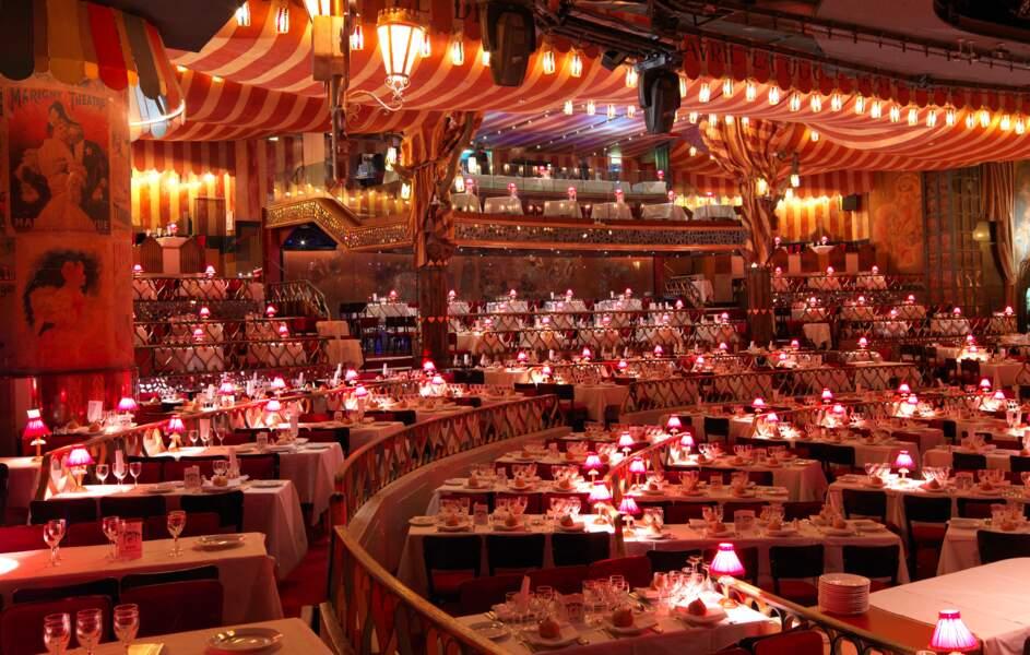 900 places : la capacité d'accueil de la salle, conçue par Henri Mahé
