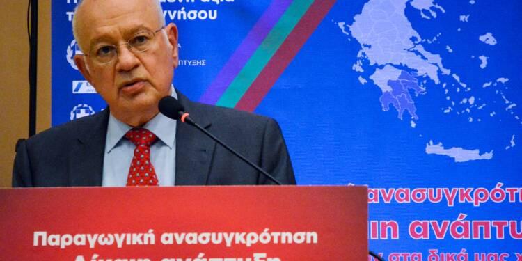 Grèce: le ministre de l'Economie démissionne après le limogeage de sa femme