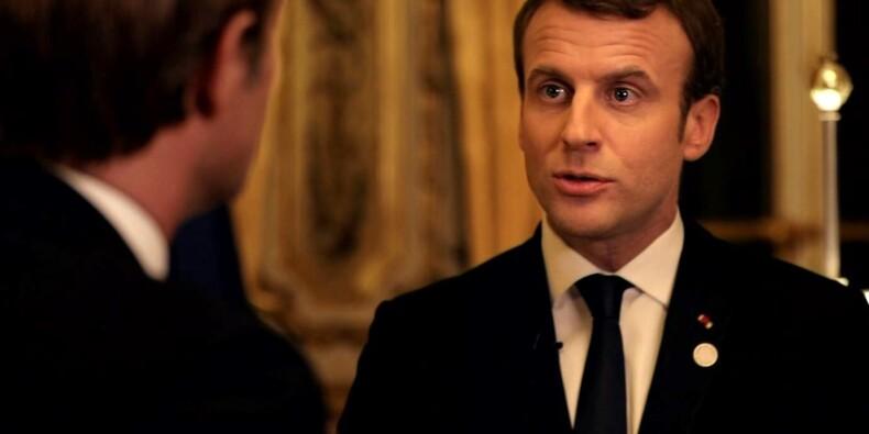 """Sarcasmes et critiques après l'interview """"en marche"""" de Macron"""
