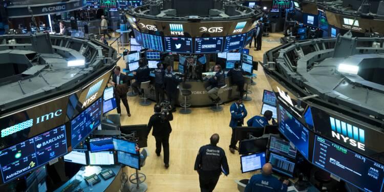 Wall Street termine en ordre dispersé, s'interrogeant sur la réforme fiscale