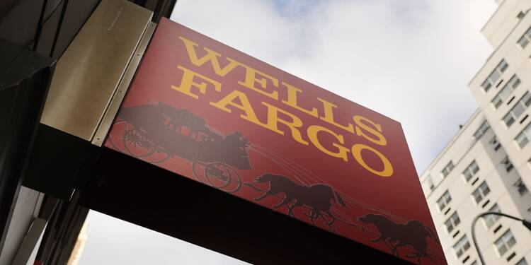 Trump menace de corser les amendes contre la banque Wells Fargo