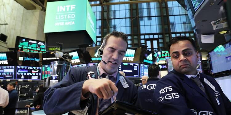 Wall Street trébuche à la fin d'un mois mouvementé