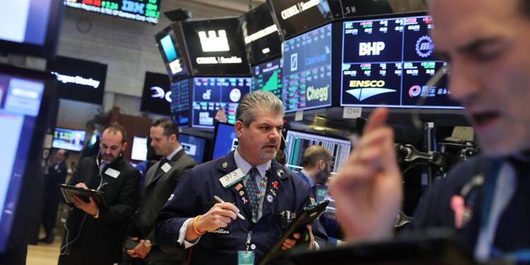 Wall Street recule, inquiète après le départ de Rex Tillerson