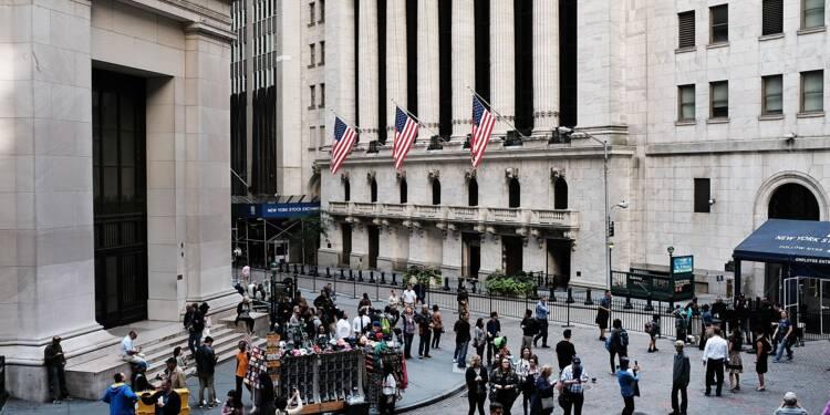 Wall Street hésite entre indicateurs encourageants et tensions commerciales