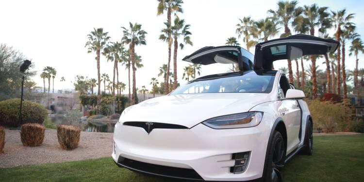 Le constructeur de véhicules électriques Tesla face aux doutes
