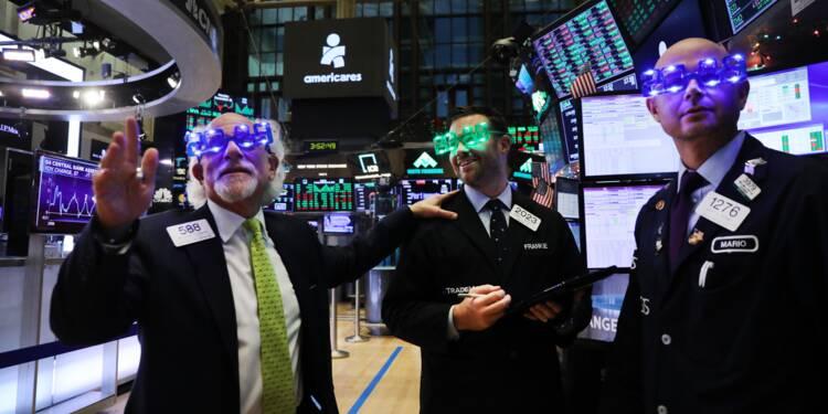 Wall Street, aidée par les négociations entre Pékin et Washington, termine en hausse